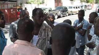 Financement électoral: Jean Pétion Favard sévèrement pris à partie devant les studios de Kiskeya
