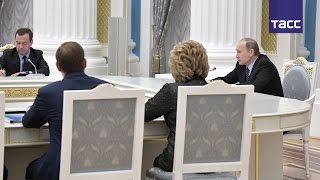 Путин призвал увеличить количество единиц санитарной авиации, активнее реализовывать программу