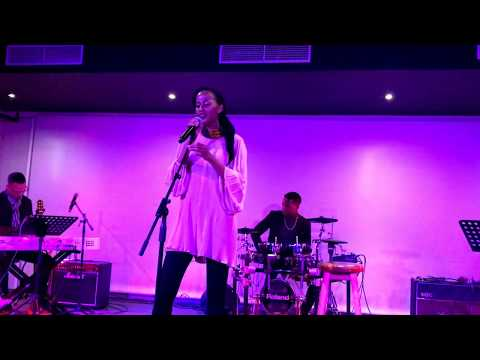 Bongi Mvuyana - Sizwile (Live Audience Video)