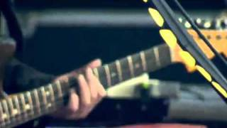 Them Crooked Vultures - Alain Johannes guitar solo (live @ Rock Werchter 2010)