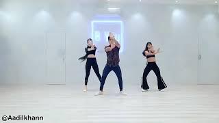 رقص هندي خرافي 😍 على اغنيه هندية حماسية💞مين يرقص اجمل البنات او الشاب😅