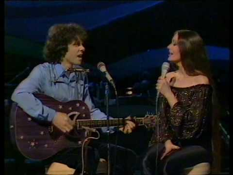Donovan & Crystal Gayle  Catch The Wind
