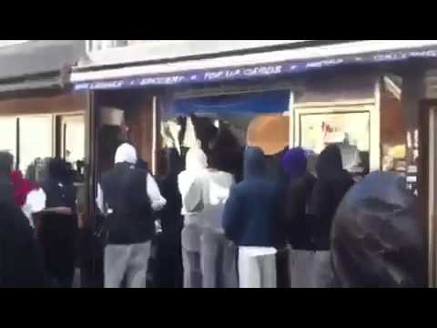 OFF LICENCE LOOTED IN ILFORD LONDON RIOTS