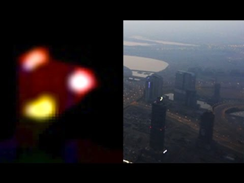 UFO At WORLD's TALLEST Building? ISRAEL TELEPORTING Triangle UFO!