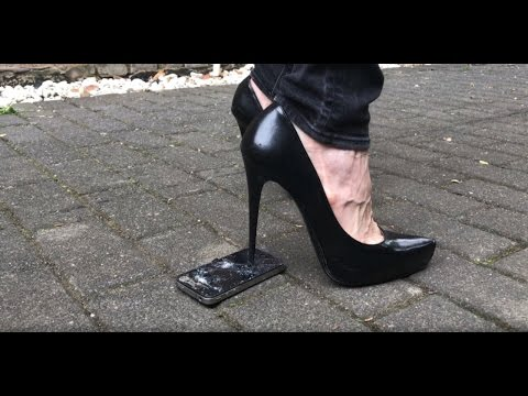 Lara crushs Iphone in High Heels Pumps crush platform 11cm demolition zerstört tritt kaputt extrem