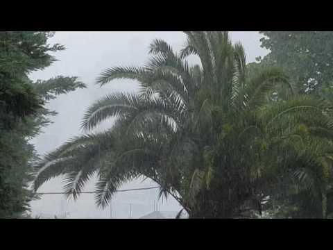 LamiaReport.gr: Ανοιξαν οι ουρανοί στη Λαμία 21-05-16
