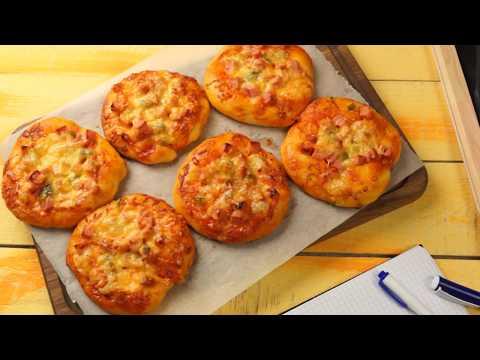 Мини-пицца (как в школе) - рецепт в духовке с колбасой и сыром