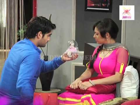 RK & Madhubala Scene - RK goes crazy on the sets of