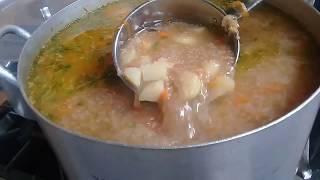 Салат из помидор с луком и солью и с подсолнечным маслом