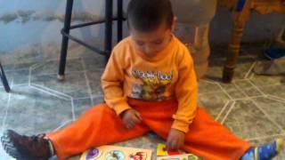 mi hijo fabian con su juego didactico