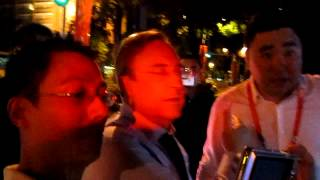 real Madrid president asking a Chinese traffic police the hotel direction in 2011 Guangzhou