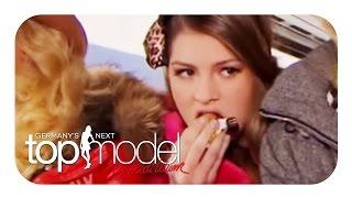 Christine isst zu viele Süßigkeiten | Germany's next Topmodel Highlights | ProSieben