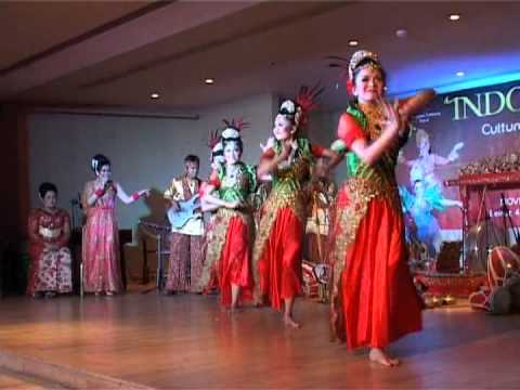 INDONESIAN CULTURAL PERFORMANCE 2013 JAIPONG DANCE  YouTube