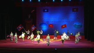 Tin Tức 24h Mới Nhất : Liên hoan tiếng hát hữu nghị Việt Nam - Lào