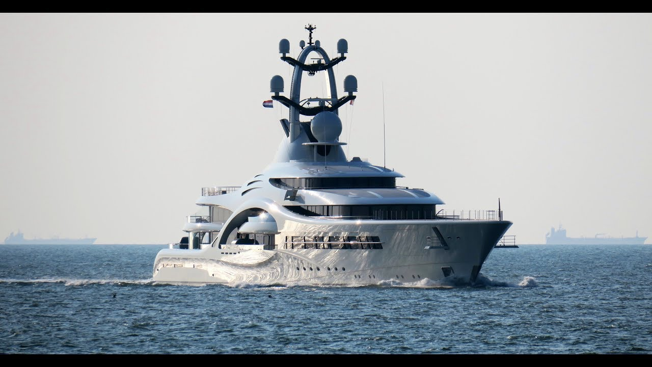 The footage of The Feadship's 110m/ 361ft Anna 110m arrival yesterday