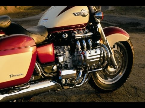 clymer manuals video sneak peek for the 1997 2003 honda valkyrie rh youtube com honda valkyrie workshop manual honda valkyrie 1500 manual