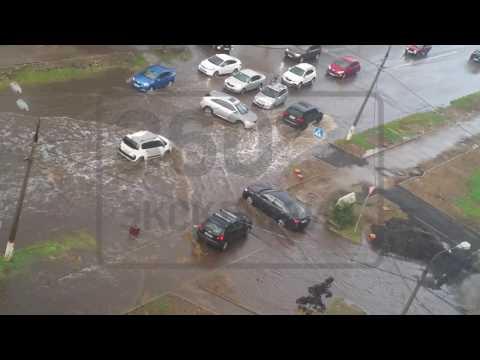 Водителей  Жуковского, преодолевающих водные преграды после дождя, снял очевидец
