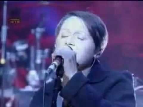 Massive Attack - Teardrop (Best Live Version)