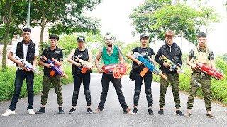 Superhero action Seven S.W.A.T Nerf guns Joker Girl Police Shoot Kidnapper Nerf war