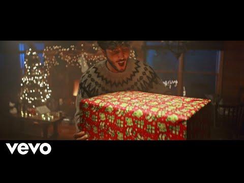 Sebastian Yatra - Santa Claus Is Comin To Town