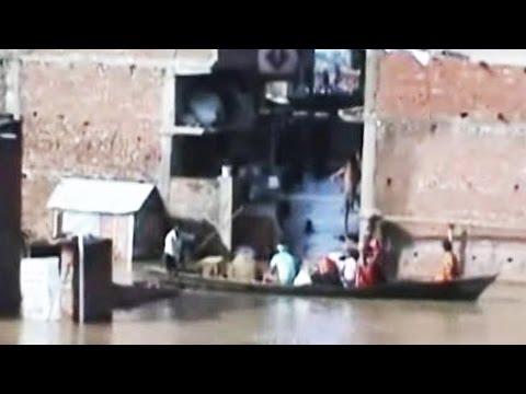 In Flood-Hit Uttar Pradesh Village, A Rope Turns A Family's Lifeline