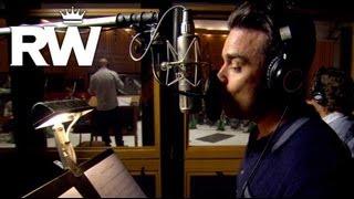 Robbie Williams | Robbie Swings In The Studio