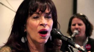 """Janiva Magness """"Everything is Alright"""" Live at KDHX 9/18/14"""