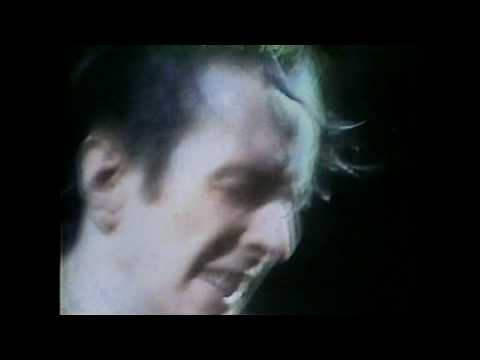 THE CLASH - POLICE ON MY BACK (HD)
