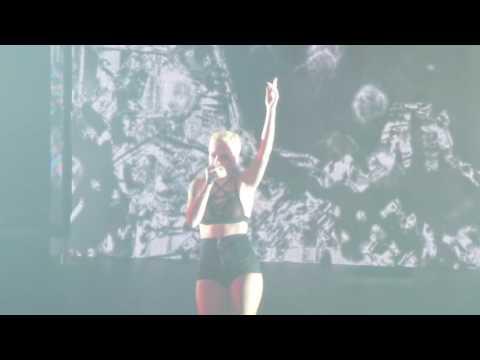 Halsey - New Americana Live in Concert - Karim Gonzalez