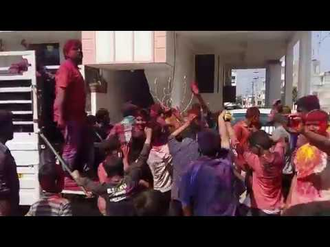 Dance on Julie Julie Johny Ka Dil - Mithun Chakraborty song at holi festival 2017