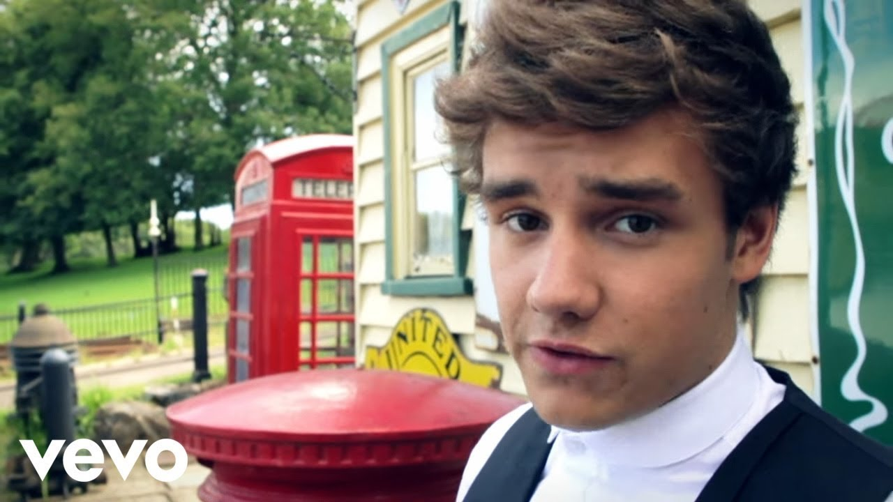 Download One Direction - Behind the scenes at the photoshoot - Liam