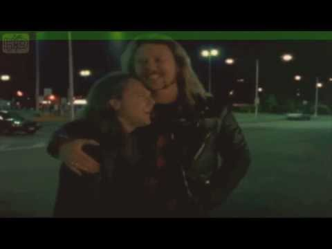 Cute moment between James Hetfield and Lars Ulrich