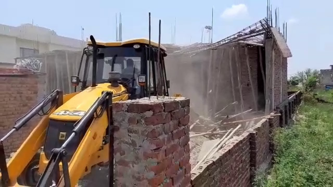 Illegal Construction In Sainik Colony Demolished By JMC