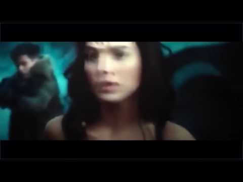 Wonder woman: lasso using fight scene
