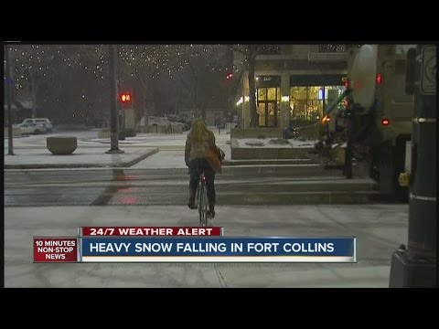 Heavy snow falling in Fort Collins