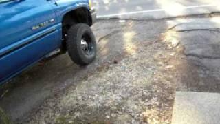 Gambar cover 01 Dodge Ram headers flowmaster