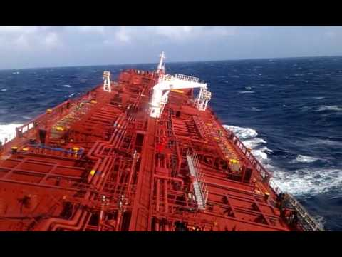 Heavy rolling of Tanker vessel 183m due to heavy swell.