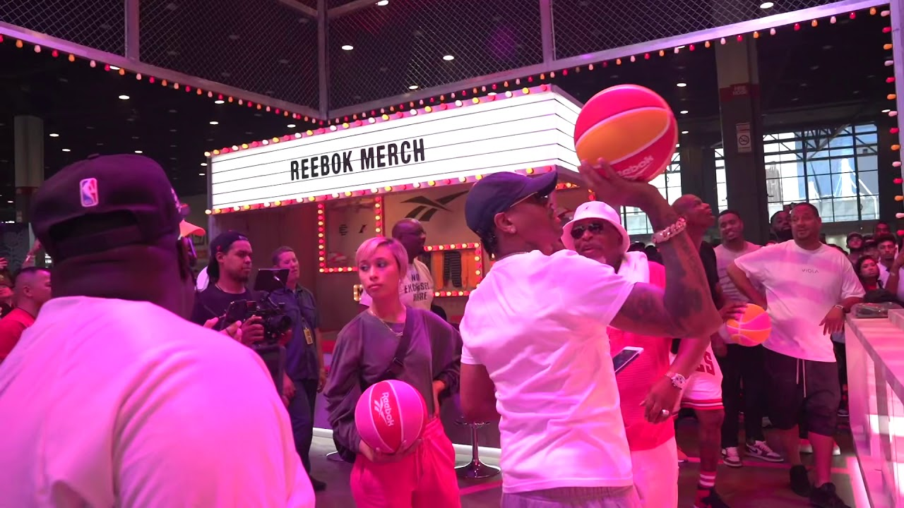 low priced 53f95 e3cf9 Allen Iverson is having fun at ComplexCon Chicago (2019)