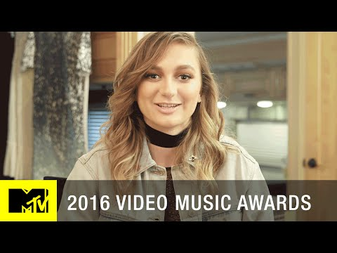 "Daya Plays ""It's What You Do"" Game 