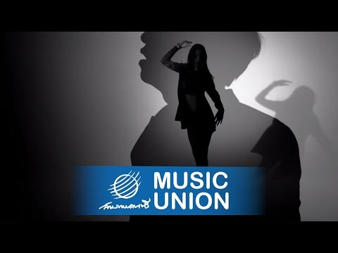 SHINE - ยังคอยเธอ [Official MV]