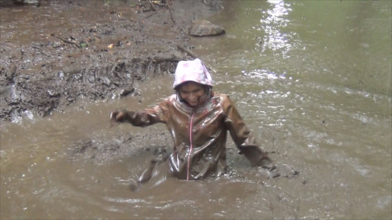 Girls Playing In The Mud Girls Getting Crazy On Atv Ride - Youtube-8885