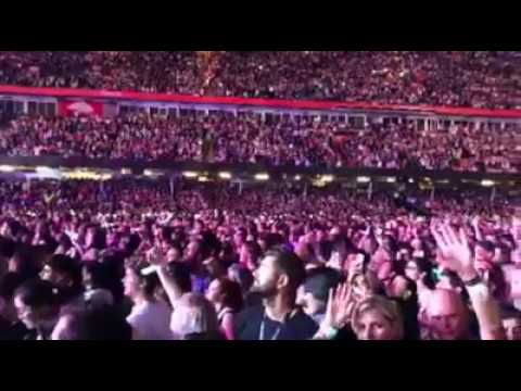 Land of my fathers lived at Coldplay Cardiff's Concert