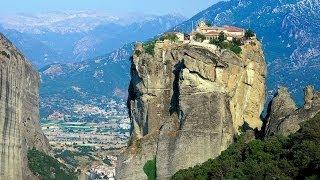 Комплекс монастырей Метеоры в Греции(Одно из самых удивительных мест на планете расположилось в Греции среди сталагмитовых скал высотой свыше..., 2013-10-19T22:59:35.000Z)
