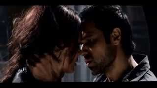 Esha Gupta Hot Kissing Scene With Emraan Hashmi In Raaz 3