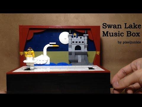 LEGO® Swan Lake Ballet Music Box (Solo Dance)