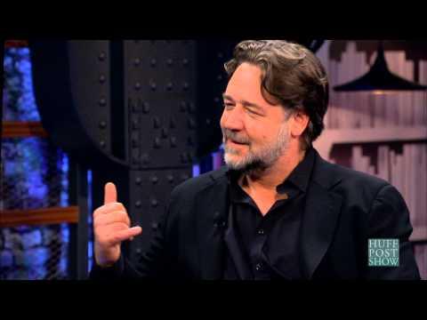 Russell Crowe Remembers Michael Jackson's 'Sweet' Prank Calls
