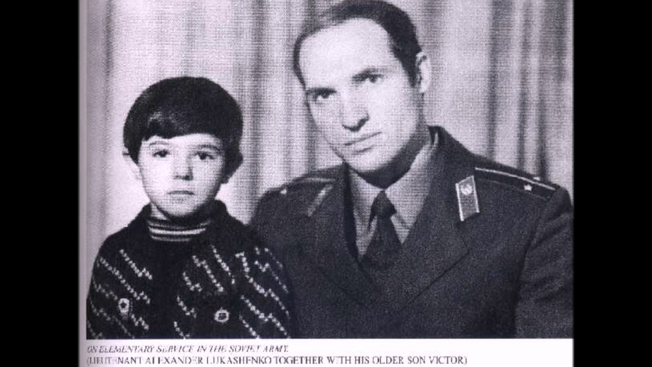 Александр Лукашенко в молодости.Редкие фото из личного ...