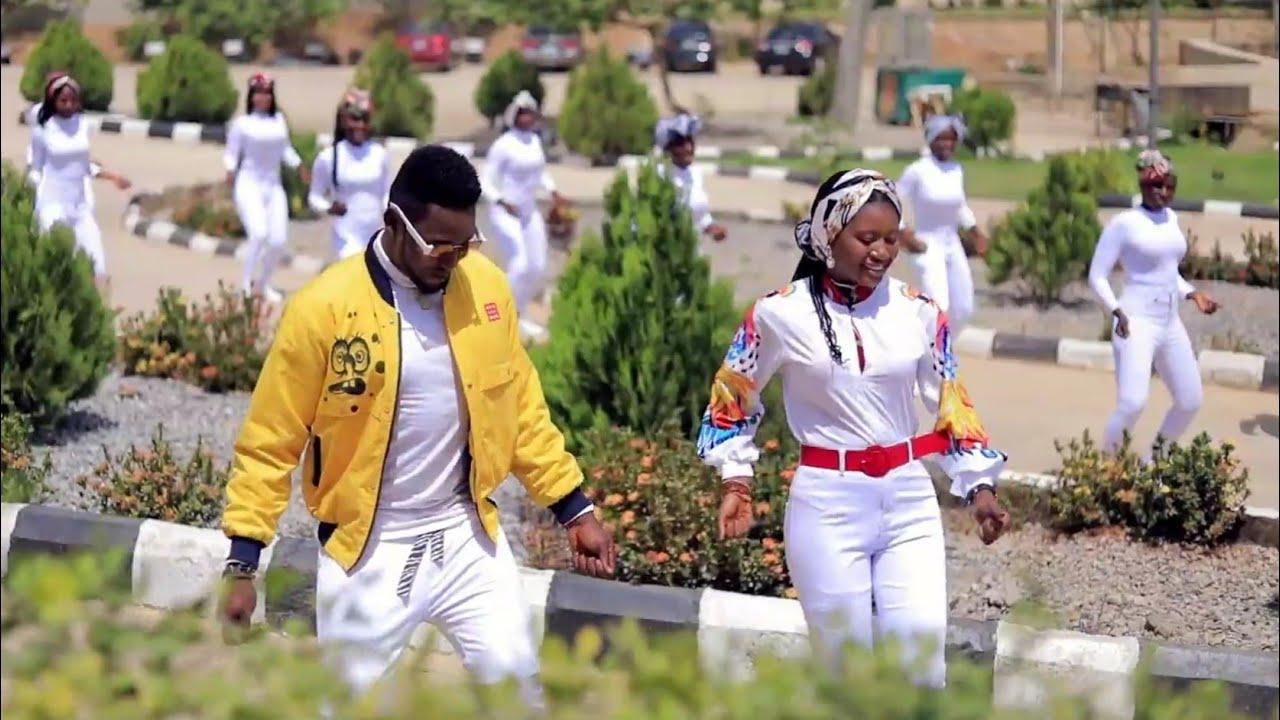 Download Sabuwar Waka (Kalaman Soyayya) Momee ft Kb International Latest Hausa Song Original Video 2021#