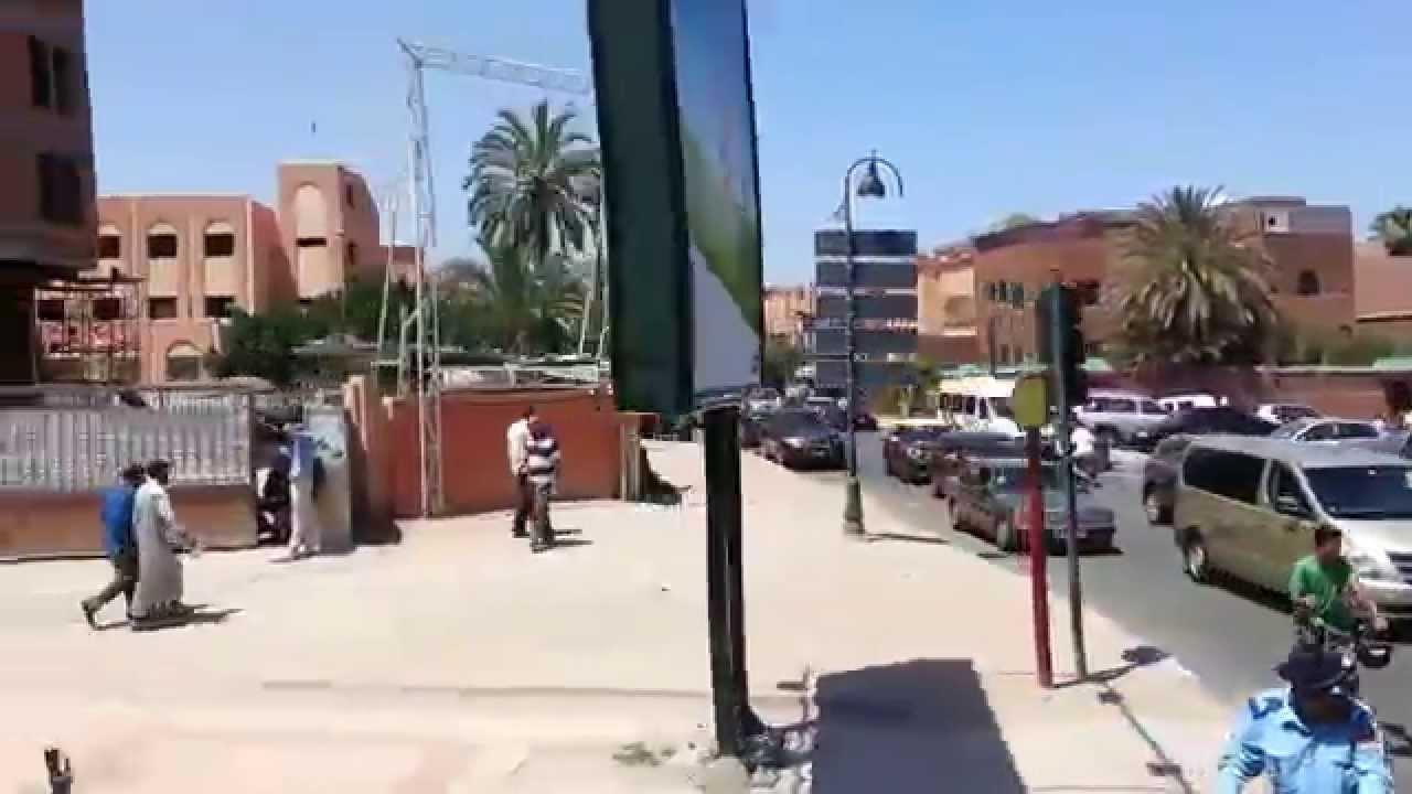 Marrakech daoudiate de la route de casa au centre ville for Centre de la nature piscine