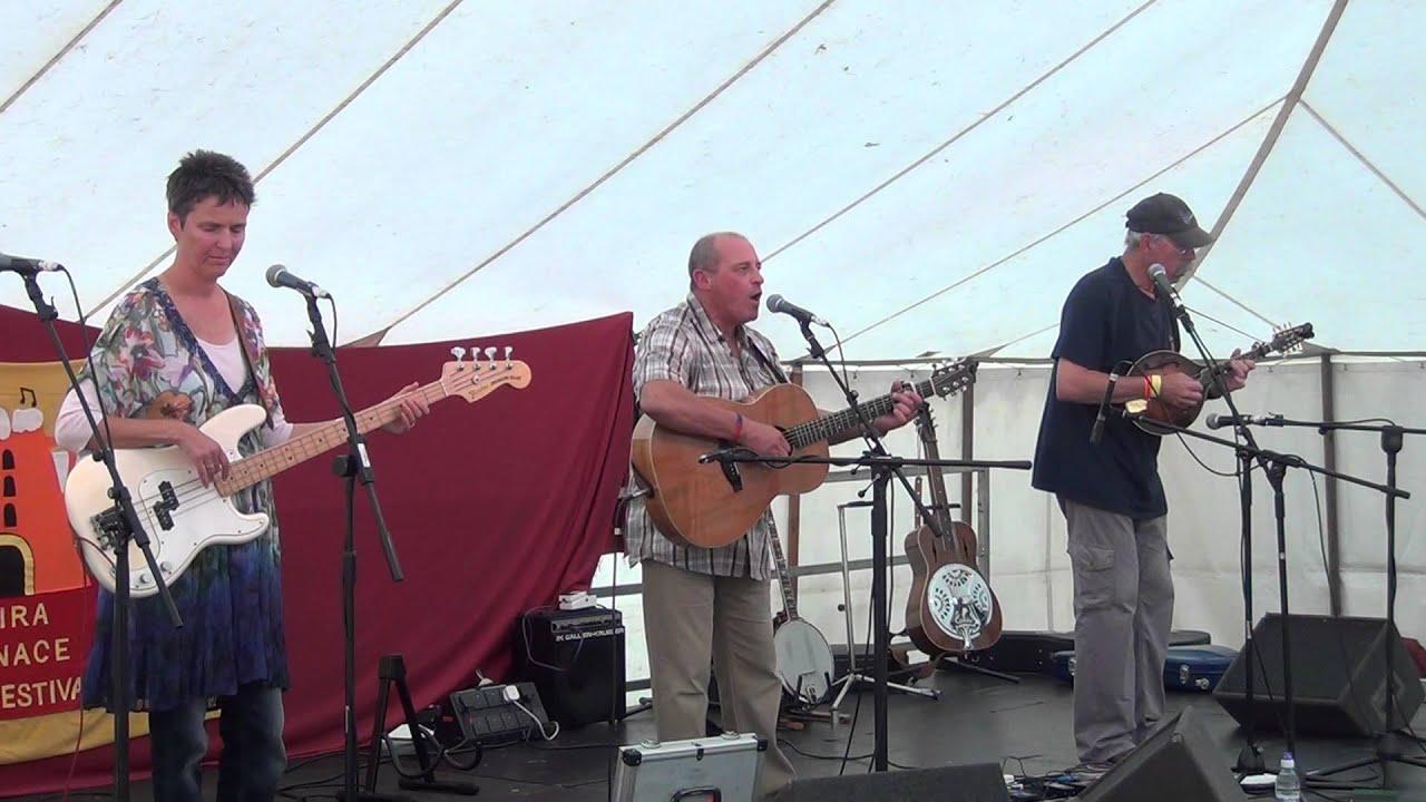 Bram Taylor@Moira Furnace Folk Festival 2012 - YouTube